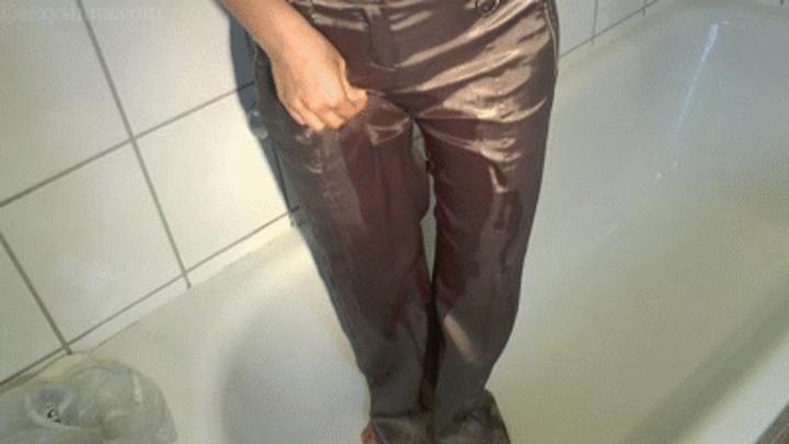 Pee hosen porn girl these